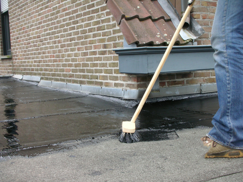 Régénérant pour toiture IKO Renov'toiture bitume 5 kg noir
